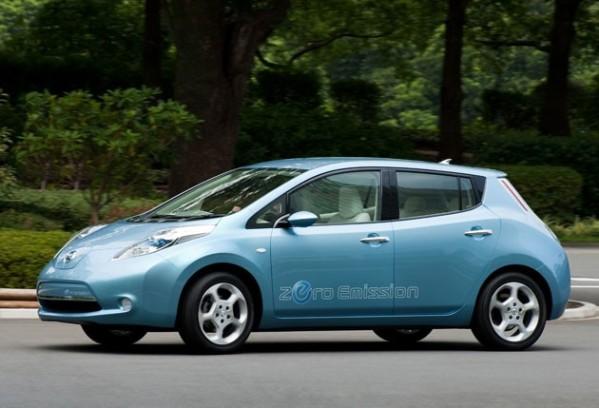 Δ. Αθηναίων: Συμφωνία με Nissan για ηλεκτροκίνητα οχήματα