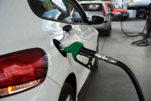 ΥΠΕΚΑ: Εντατικοί έλεγχοι στην αγορά υγρών καυσίμων