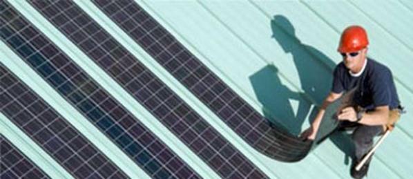 """Φωτοβολταϊκά: Νέα τεχνολογία, για την """"επιβίωσή"""" τους"""