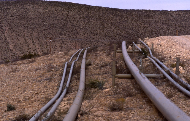 Oil_and_gas_pipeline