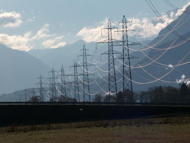 Προβληματισμός για την Energa και τη Hellas Power