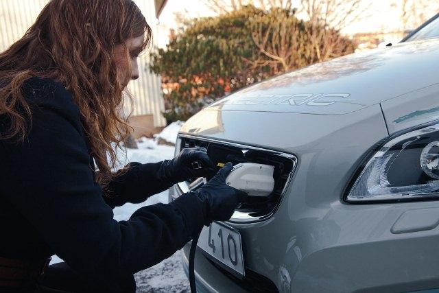 Κινητή λύση επαναφόρτισης ηλεκτρικών αυτοκινήτων