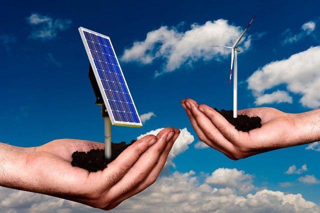 Επενδύσεις 5 τρισ. δολαρίων στην καθαρή ενέργεια