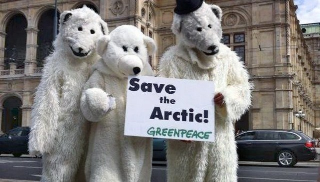 00-greenpeace-polar-bears-06-12