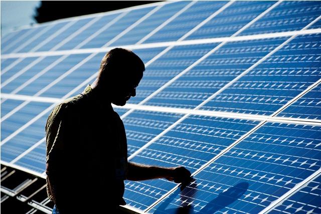 Ανακοίνωση της ATELEASING για τη χρηματοδότηση φωτοβολταϊκών