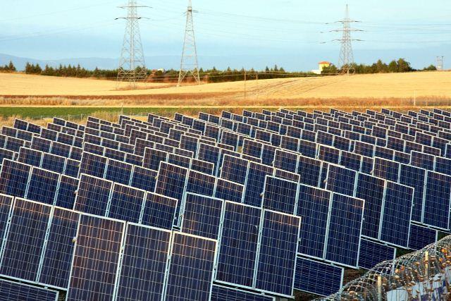Εισφορά σε όλες τις ΑΠΕ, όχι μόνο στα φωτοβολταϊκά