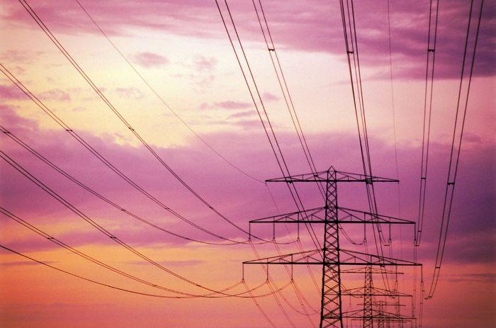 Μειώνεται η ζήτηση στην ηλεκτρική ενέργεια