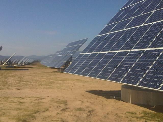 Προχωρούν 1.462 φωτοβολταϊκές επενδύσεις
