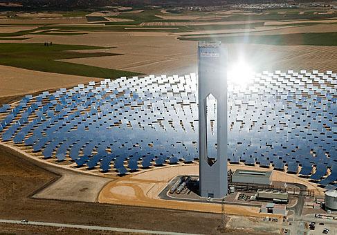 Weltgroesster Solarturm PS 20 in Betrieb