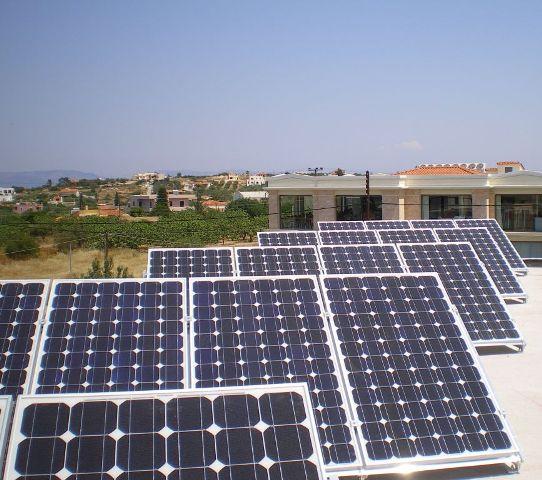 Εκπαίδευση στα φωτοβολταϊκά από το Mediterranean College