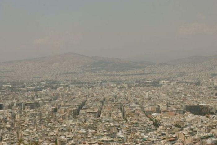 Οι καμινάδες γίνονται εφιάλτης για την Αθήνα