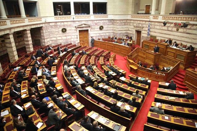 Ο φόρος στο πετρέλαιο δημιουργεί εντάσεις στη Βουλή