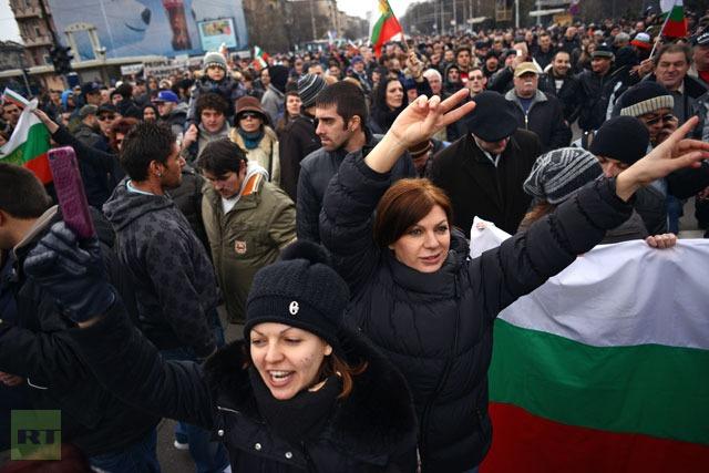 Μείωση των τιμών στη Βουλγαρία μετά τις διαδηλώσεις