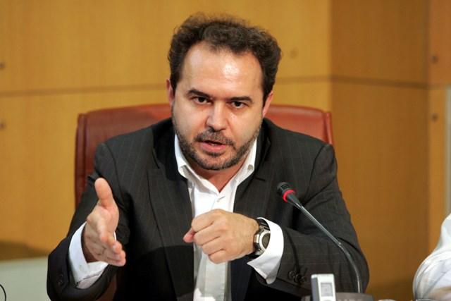 Γενική απεργία προτείνει ο Ν. Φωτόπουλος