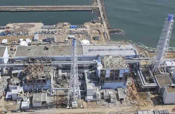 Ατμός πάνω από αντιδραστήρα στη Φουκουσίμα