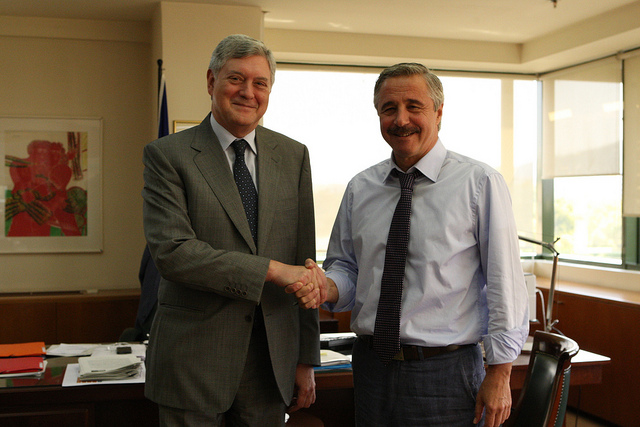 Συνάντηση Μανιάτη με τον Ρώσο Πρέσβη