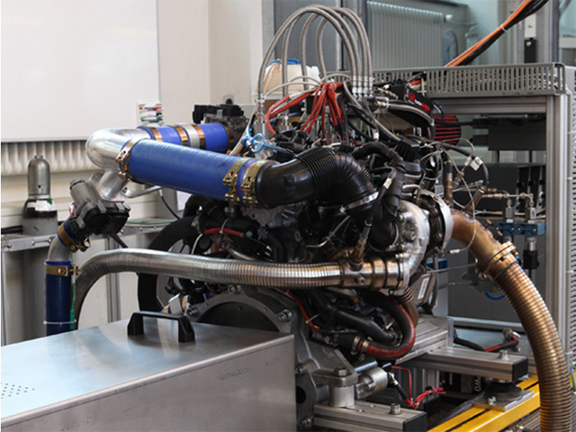 Κινητήρας με ντίζελ και φυσικό αέριο