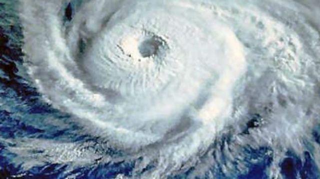 """Η κλιματική αλλαγή """"διώχνει"""" τους κυκλώνες"""