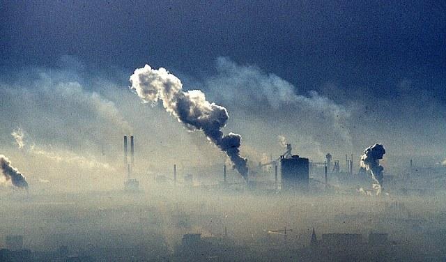 O OHE προειδοποιεί για την ατμοσφαιρική ρύπανση
