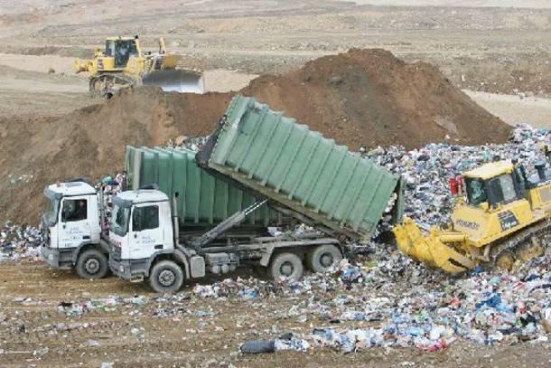 Πρόβλημα με τα σκουπίδια στην Τρίπολη