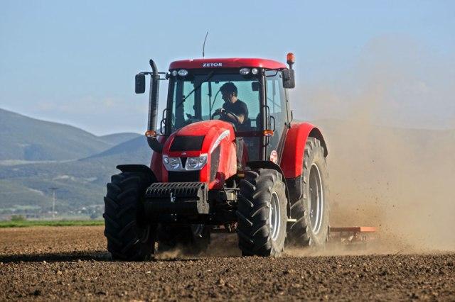 Αγρότες Λάρισας vs ΥΠΑΑΤ και ΔΕΗ