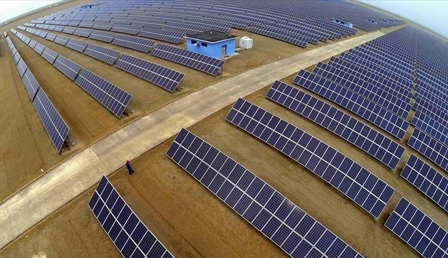 Εγκαινιάστηκε το μεγαλύτερο ηλιακό πάρκο του Πακιστάν