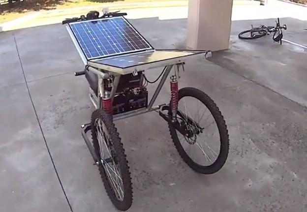 Ηλιακό τρίκυκλο από το Αγρίνιο