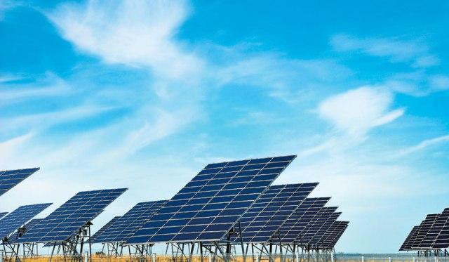 H Κίνα επενδύει στην ηλιακή ενέργεια