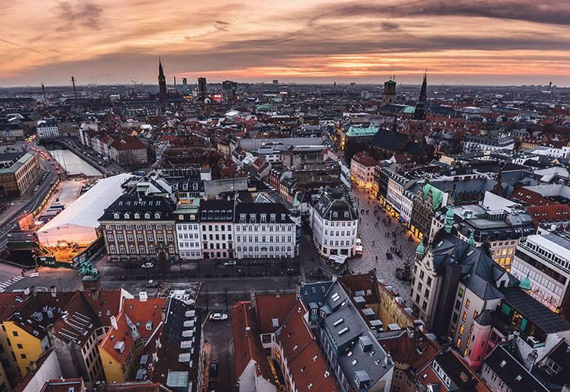 Κοπεγχάγη: «Έξυπνα» φανάρια για 20% ταχύτερα δρομολόγια των λεωφορείων
