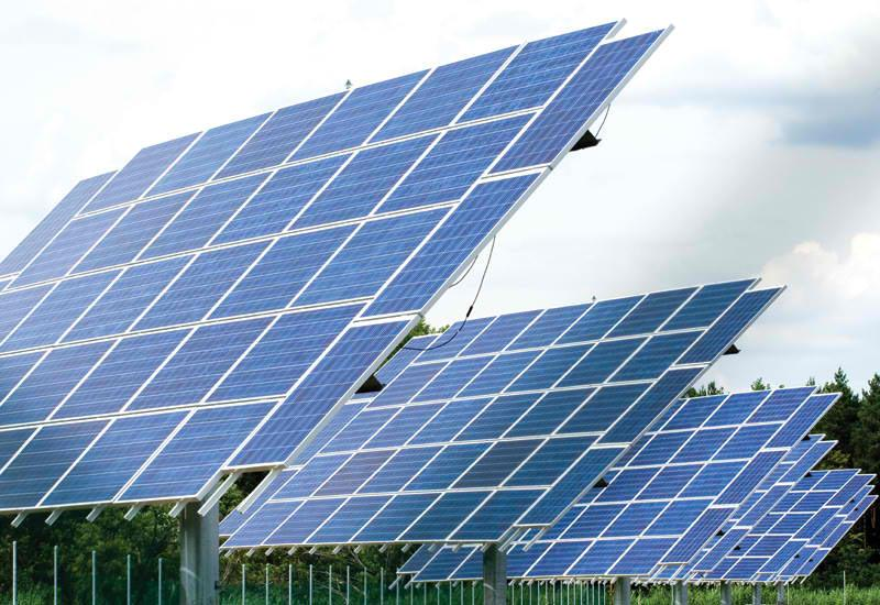 Νέα φωτοβολταϊκά παράγουν ενέργεια και από τη βροχή