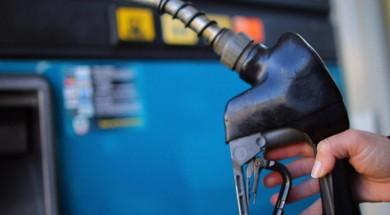 gas+pump+hand+02122013