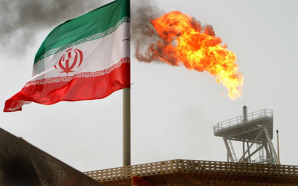 Die Welt: H Eλλάδα κυρίαρχη στις μεταφορές ιρανικού πετρελαίου μετά την άρση των κυρώσεων