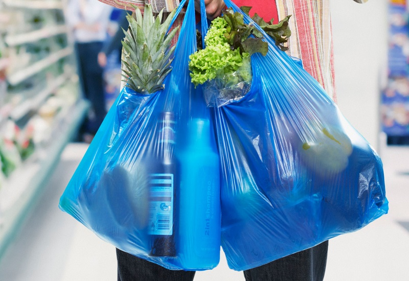 Greenpeace: Να απαγορευθεί η χρήση πλαστικών συσκευασιών μιας χρήσης