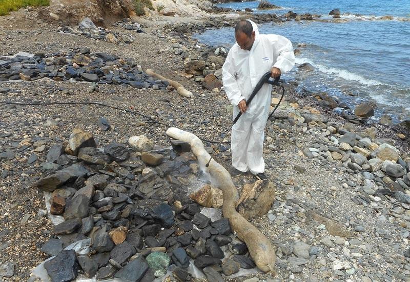 Απορρύπανση παραλιών στα Κύθηρα