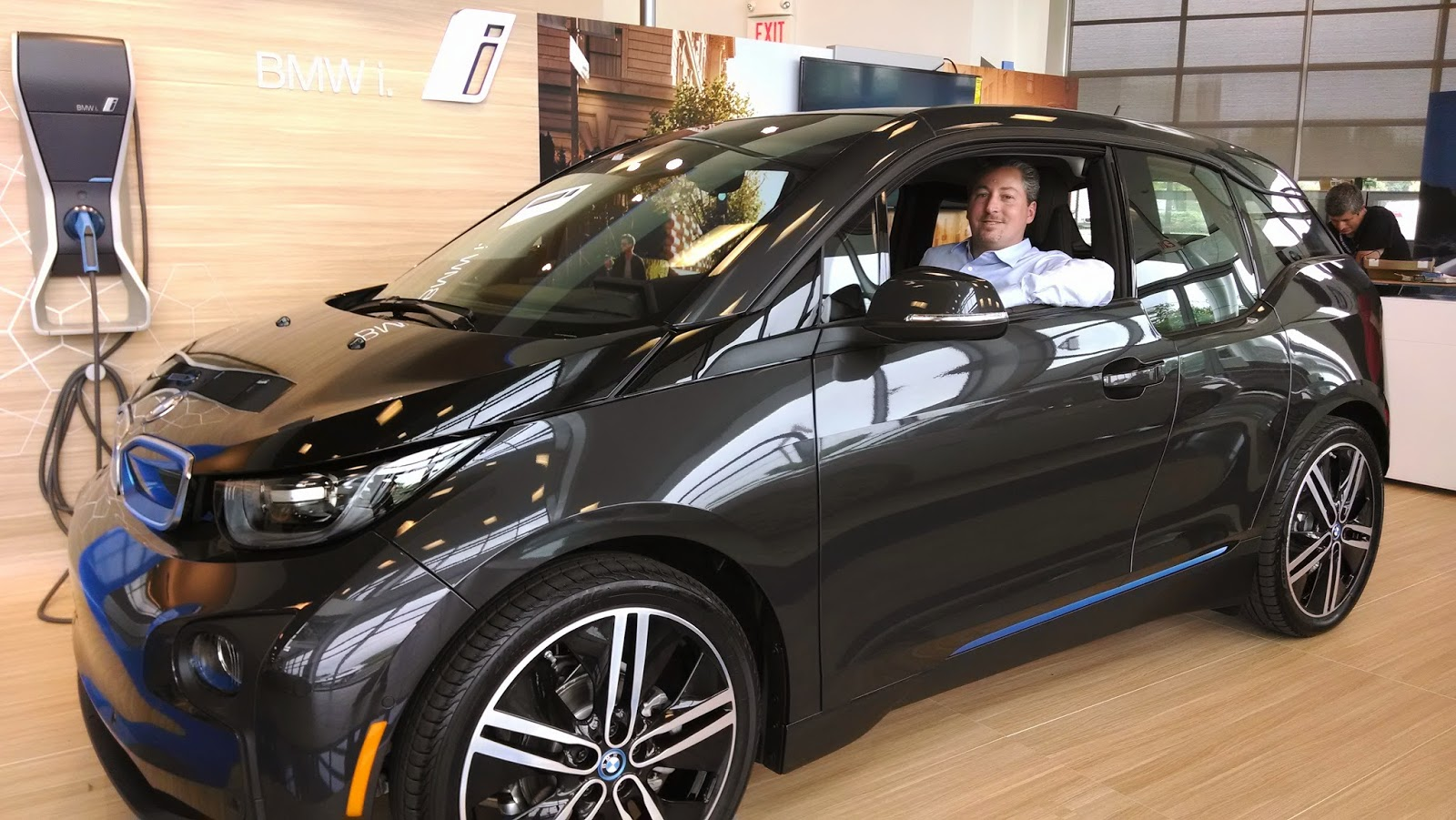BMW: Πάνω από 100.000 οι πωλήσεις ηλεκτροκίνητων οχημάτων