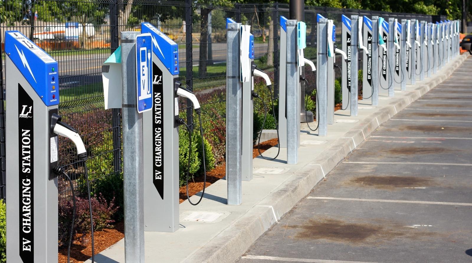 Συμμαχία για τη δημιουργία σταθμών φόρτισης ηλεκτροκίνητων οχημάτων