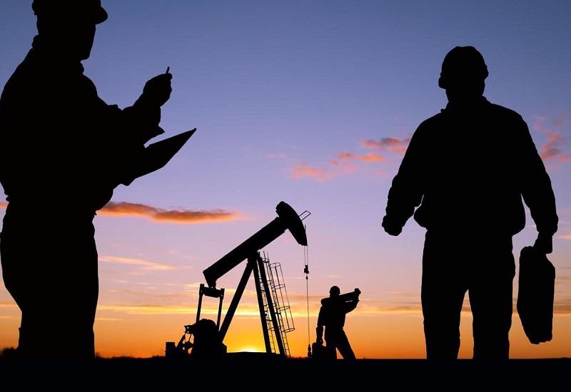 Εξελίσσεται κανονικά η μείωση της παραγωγής πετρελαίου