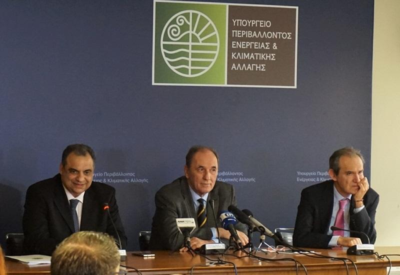 Πρόταση της κυβέρνησης για επανεκτίμηση της απελευθέρωσης της αγοράς ηλ. ενέργειας τον Δεκέμβριο