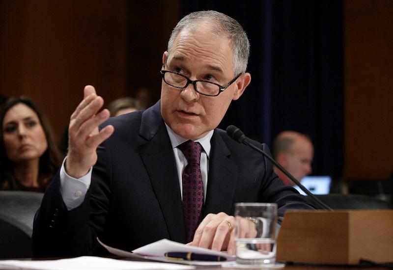 ΗΠΑ: Αποκαλύψεις για σχέσεις με ενεργειακούς ομίλους του επικεφαλής της υπηρεσίας περιβάλλοντος