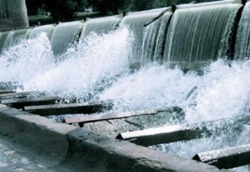 Πώληση πελατών της ΔΕΗ μαζί με υδροηλεκτρικά ζητούν οι θεσμοί