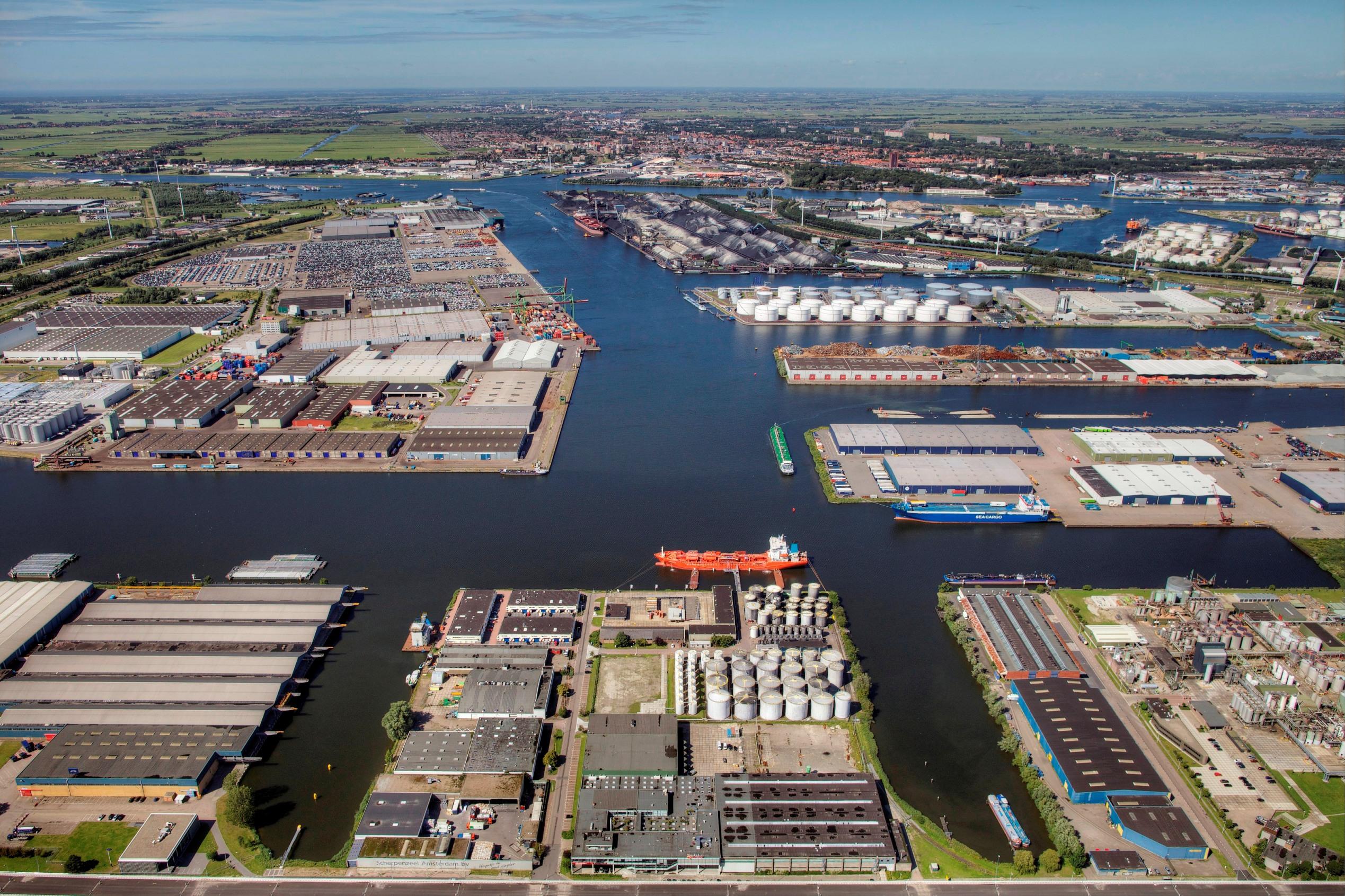 """Το λιμάνι του Άμστερνταμ θα γίνει """"πράσινο"""" έως το 2030"""