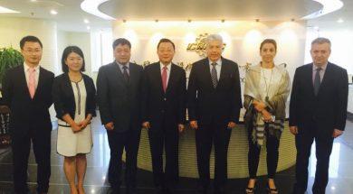 Οι αντιπροσωπείες της ΔΕΗ και της CMEC στα κεντρικά γραφεία της κινεζικής εταιρίας