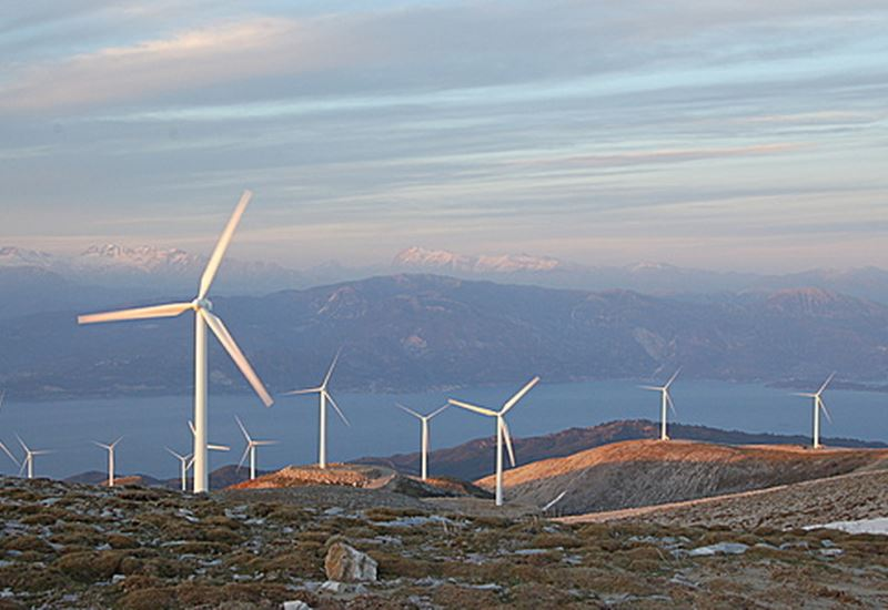 YΠΕΝ: Εγκρίθηκαν περιβαλλοντικοί όροι για αιολικό 33 MW στην Αχαΐα