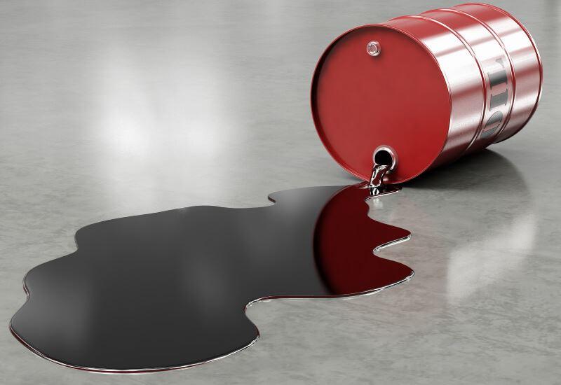 Αυξήθηκαν τα αμερικανικά αποθέματα- Έπεσε το πετρέλαιο