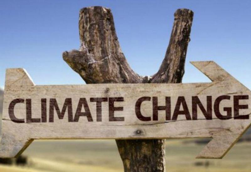 Στίβεν Χόκινγκ: «Η στάση του Τραμπ απέναντι στο περιβάλλον δημιουργεί σοβαρούς κινδύνους για τον πλανήτη μας»