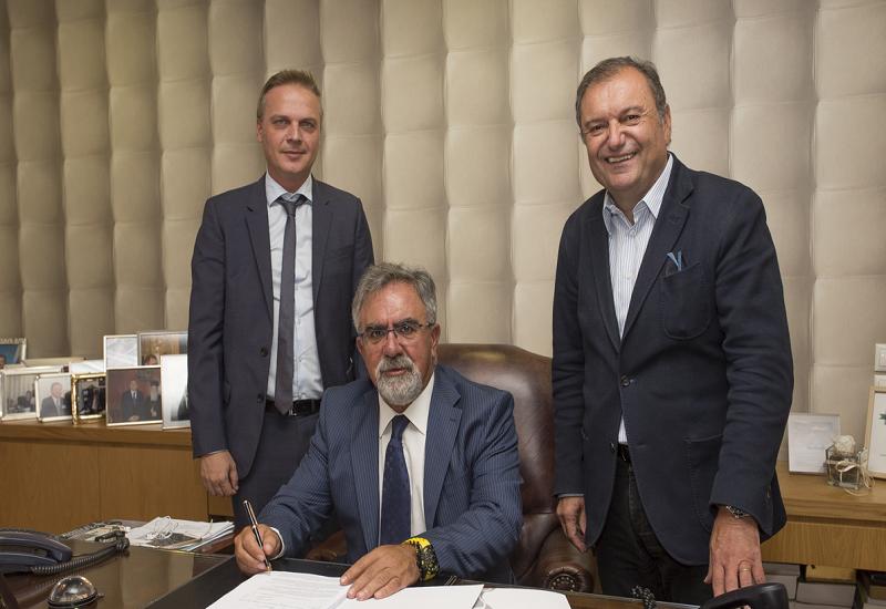 ΕΔΑ ΘΕΣΣ: Υπογραφή συμβάσεων σύνδεσης φυσικού αερίου για τα δημοτικά κτίρια σε Φίλυρο και Χορτιάτη
