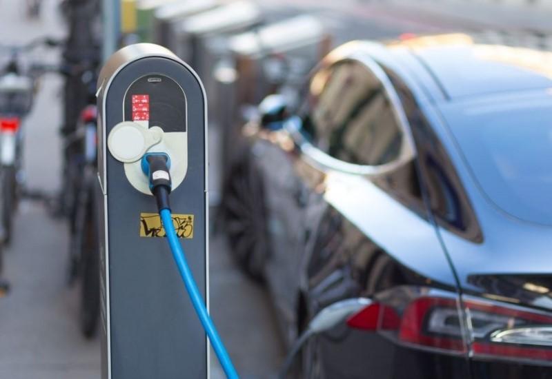 Οι Ευρωπαίοι προτιμούν τα ηλεκτροκίνητα Ι.Χ.