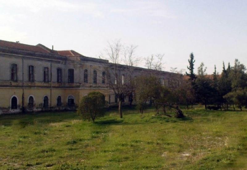 Σωκρ. Φάμελλος (ΥΠΕΝ): «Καμία απόφαση ακύρωσης της παραχώρησης για το στρατόπεδο Παύλου Μελά»