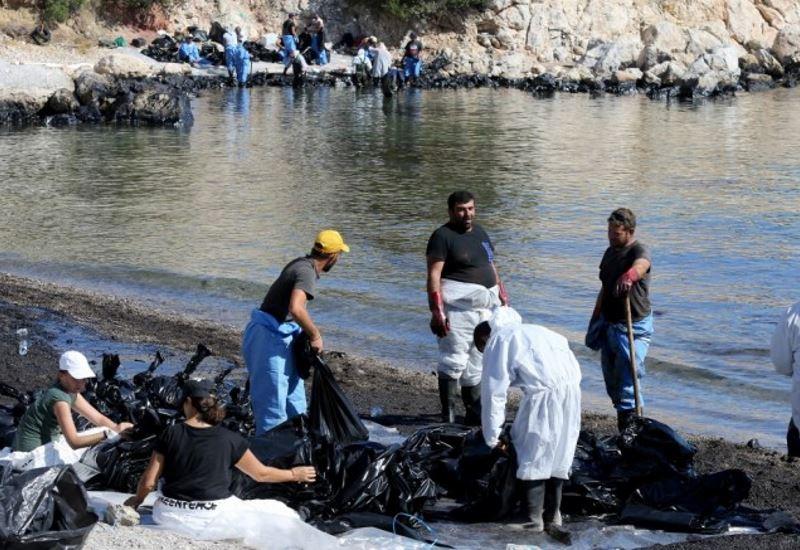 Πετρελαιοφάγα βακτήρια κατά της πετρελαιοκηλίδας προτείνει Έλληνας καθηγητής