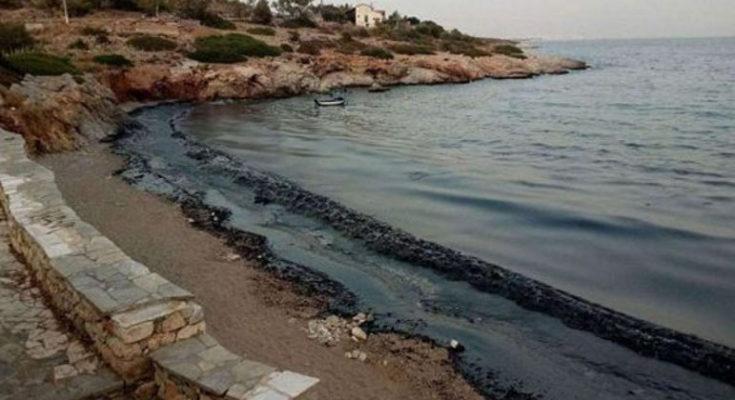 ΥΠΕΝ: Άμεσες ενέργειες για την αντιμετώπιση της θαλάσσιας ρύπανσης στη Σαλαμίνα